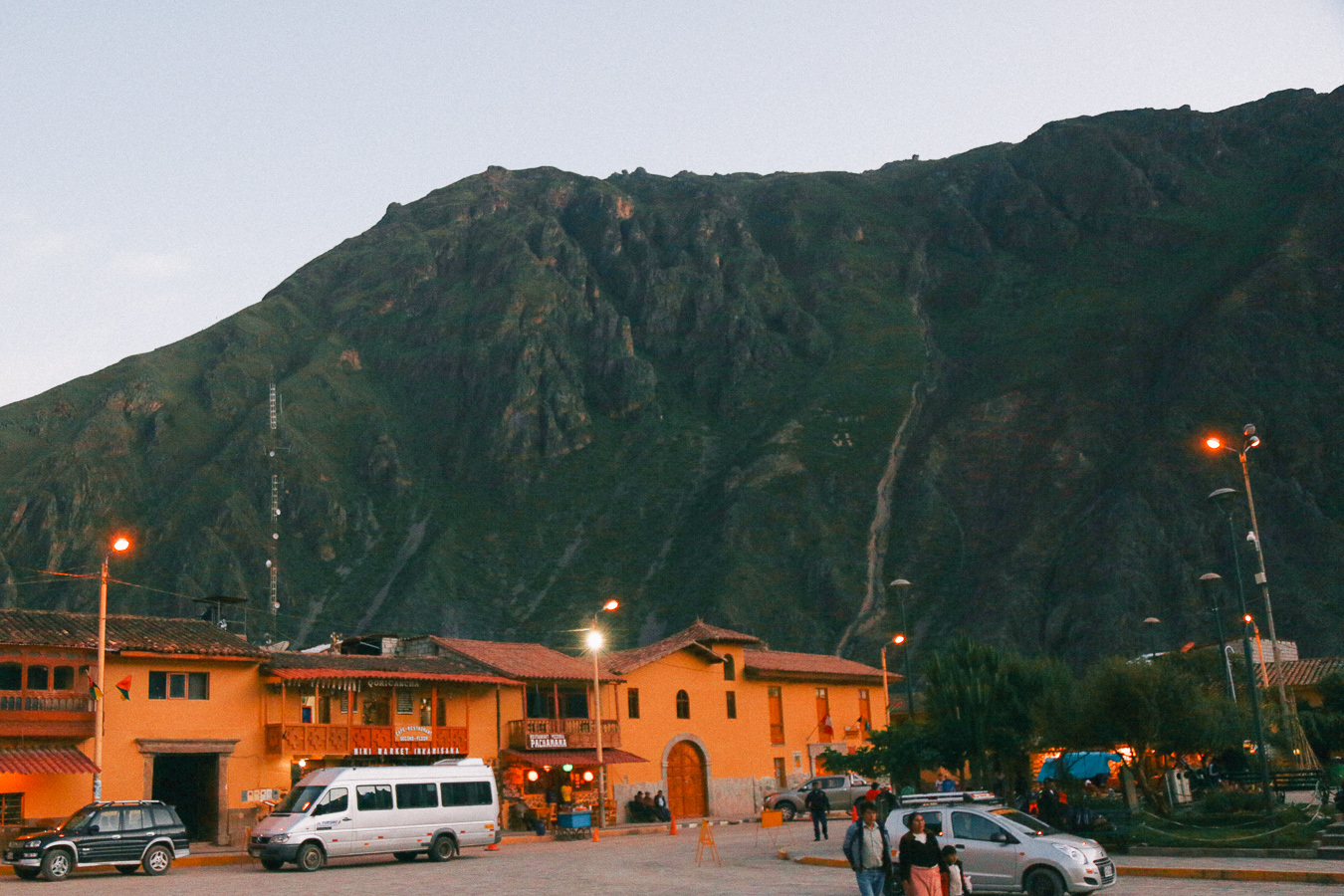 Le Happy travels to Ollantaytambo in Cusco, Peru