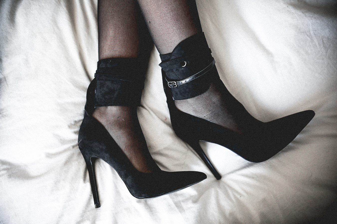 Le Happy wearing Nasty Gal ankle strap pumps