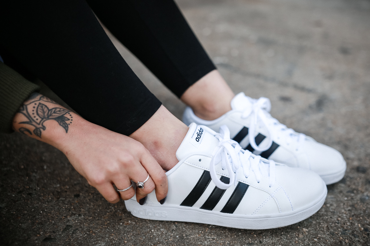 Le Happy wearing Adidas Neo Baseline in a sporty look