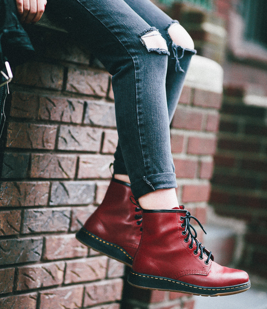 Le Happy wearing  Dr Martens Lite Newton